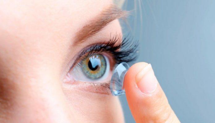 Як вибрати контактні лінзи  покрокова інструкція - ДІАЛОГИ 1e22e89baec0d